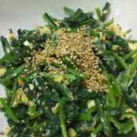 His Mother's Dish: Chinese Style Spinach and Egg Stir Fry