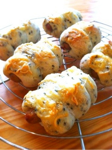 Crispy Sausage Bread With Black Sesame Seeds