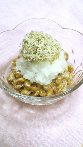 Grated Daikon Radish with Natto and Shredded Kombu for Dieters