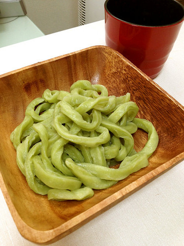Homemade Udon Noodles Made With Matcha Aojiru | Washoku.Guide