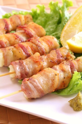 Crispy Skewered Pork Wraps with Edamame and Cheese