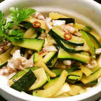 Sauteed Squid and Zucchini with Anchovies