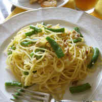 Tuna and Green Bean Aglio, Olio e Peperoncino