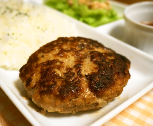 Spoil-Resistant Hamburger Steak for Bento
