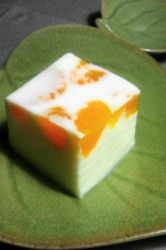 Milk Agar Jello with Tangerines