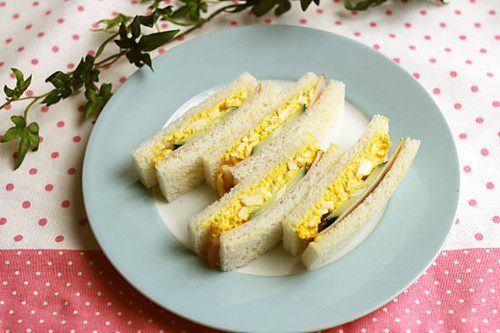 How to Make a Beautiful Egg Salad Sandwich