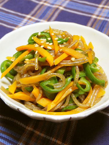 Green Pepper, Carrot, and Shirataki Noodle Kimpira