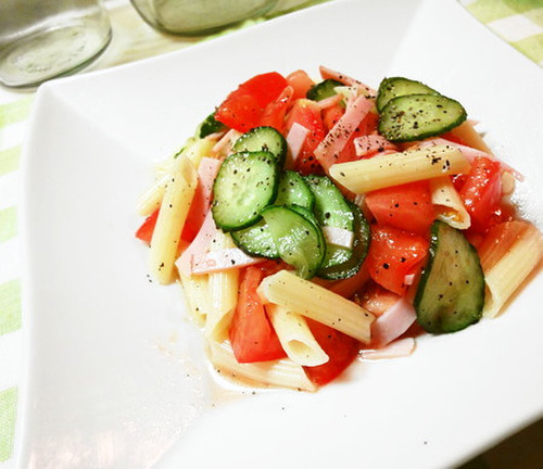 Chilled Tomato and Penne Pasta Salad