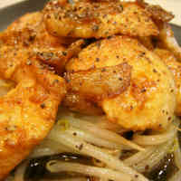Butter-sautéed Bean Sprouts and Garlic Chicken with Caramelized Soy Sauce