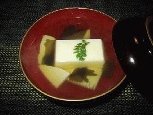Clear Broth with Egg Tofu