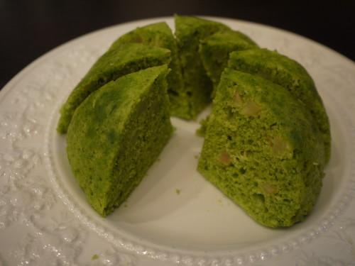 Microwaved Komatsuna and Apple Dome Cake