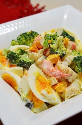 Gourmet Supermarket-inspired Shrimp, Broccoli, and Egg Salad