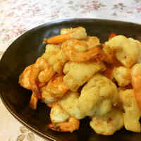 Curry Flavored Stir-fried Prawn and Cauliflower