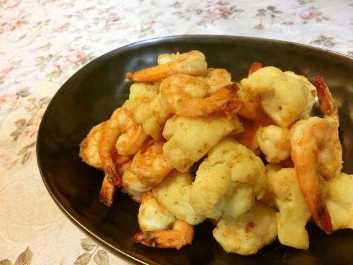 Curry Flavored Stir-fried Prawn and Cauliflower