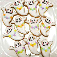 Frosted Cookies Halloween Ghosts