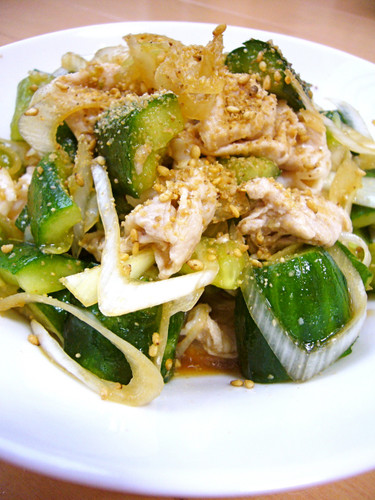 Yummy Chinese-Style Shabu-Shabu Pork and Crushed Cucumber Salad