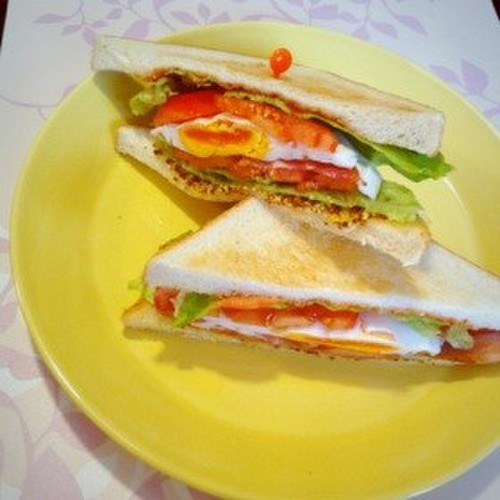 BLT Egg Sandwich
