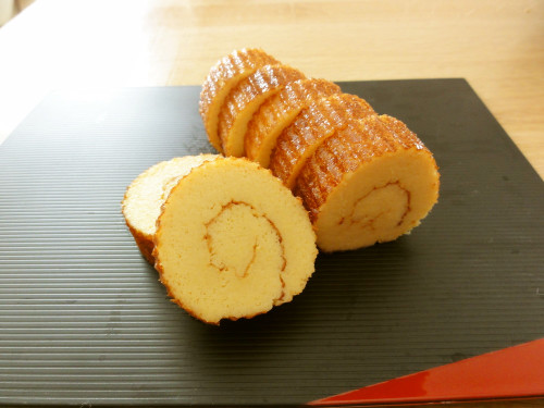 Beautifully Rolled Moist Date-maki (Rolled Fishcake Omelette)