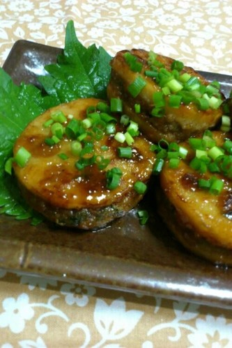Lotus Root and Minced Meat Teriyaki with Aromatic Shiso