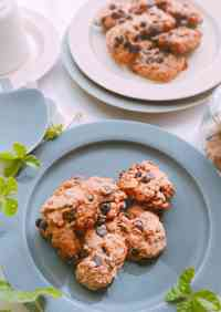 Crusty Chocolate Chip Cookies