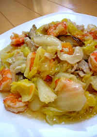 Chop Suey with Shrimp and Chinese Cabbage