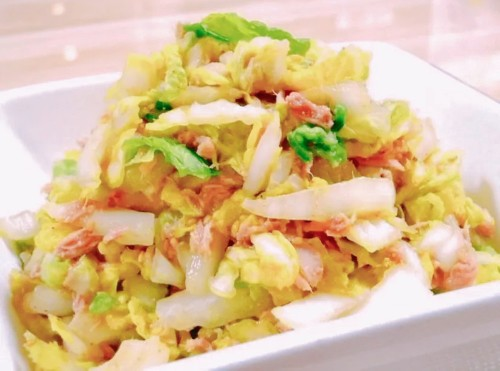 Easy Mentsuyu Sesame Salad with Napa Cabbage and Tuna