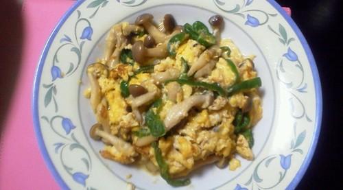 Shimeji Mushroom & Green Peppers Egg Stir-fry