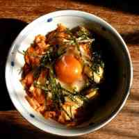 Sweet and Spicy Simmered Cabbage Rice Bowl