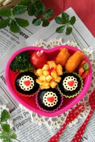 Mini Heart Doilies for Bento