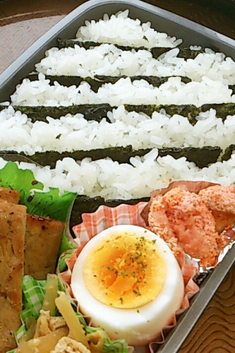 Easy Striped Bento with Seasoned Nori Seaweed