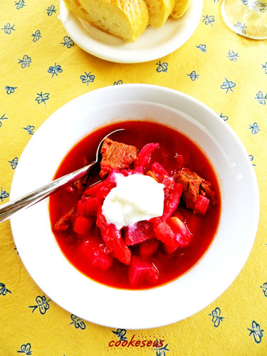 Deli-style Borscht Soup with Beans and Beetroot