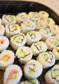 California Rolls with Salmon and Cream Cheese