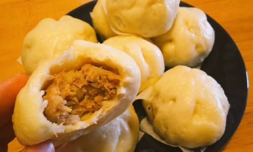 Steamed Pork Buns and Sweet Adzuki Bean Paste Buns in a Bread Machine