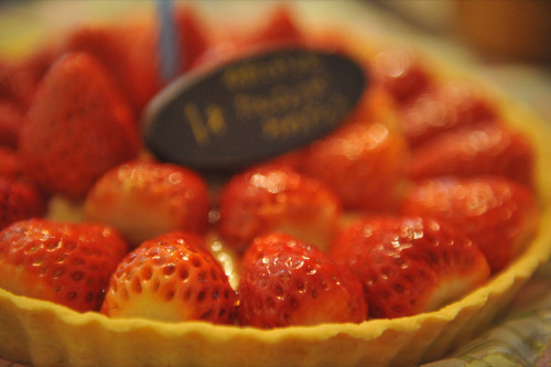 Authentic Strawberry Tart with Simple Ingredients
