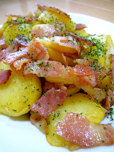 Stir Fried Bacon and Potatoes with Garlic