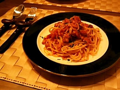 Easy and Authentic Pasta in Tuna Tomato Sauce