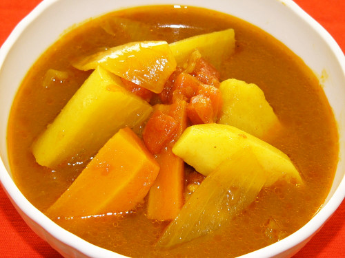 Simple, Healthy and Additive-Free Vegetable Soup Curry