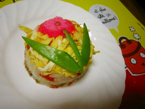 Cute and Tiny Gomoku Sushi Cake For Cherry Blossom Viewing