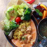 Curry Pilaf with Chicken in Tomato-Cream Sauce