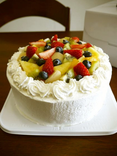 Easy! Fruit Decorated Cake
