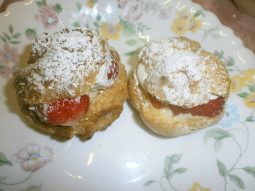 Strawberry & Banana Cream Puffs