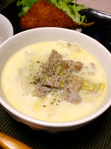 Creamy Milk Soup with Chinese Cabbage and Pork