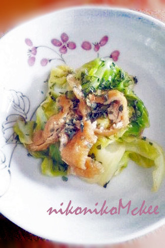 Sweetly Steamed Cabbage and Aburaage with Basil