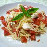 Tomato and Mozzarella Chilled Pasta