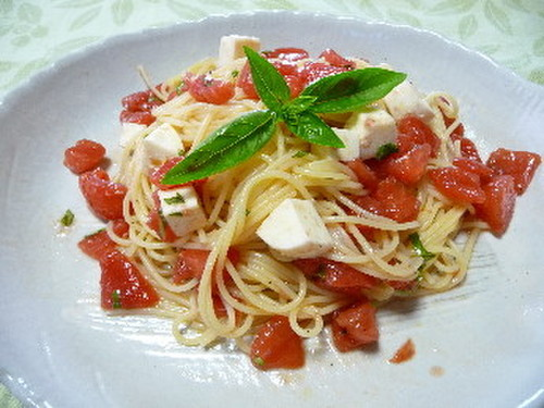 Tomato and Mozzarella Chilled Pasta