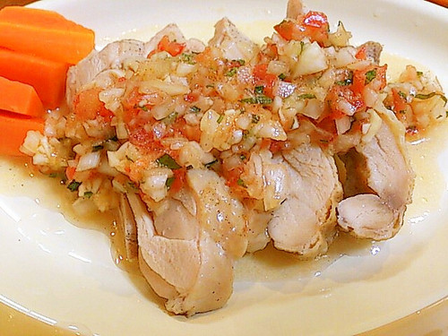 Steamed Chicken with Tomato and Onion Sauce