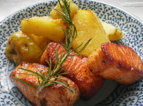 Delicious Salmon & Potatoes