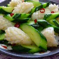 Chinese Stir-Fry with Squid and Cucumber
