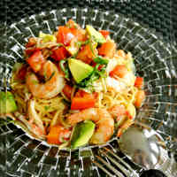 Chilled Tomato, Avocado and Shrimp Pasta With Japanese Seasonings