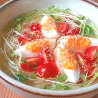Chilled Tomato Ramen with Instant Noodles